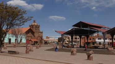001-plaza-tiahuanacu