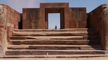 006-ruinas-tiahuanaco-blick-auf-den-ponce-monolith