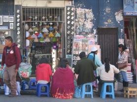 007-calle-con-mercado-la-paz