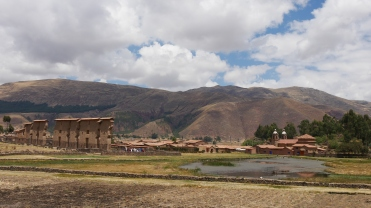 002-raqchi-ruinas