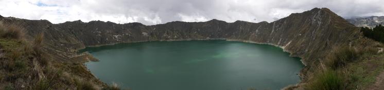 001-panorama-laguna-quilotoa