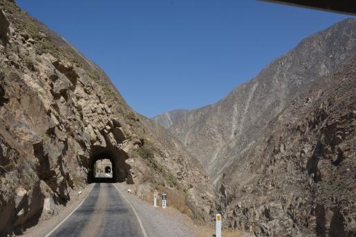 002-fahrt-durch-die-tunnels