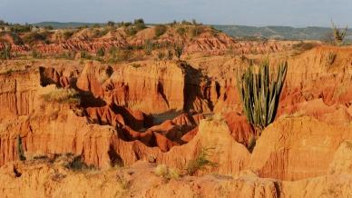 001-desierto-tatacoa-canyons-el-cuzco