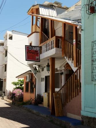 001-hostel-brattle-in-puerto-ayora