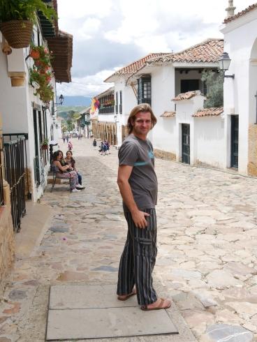 003 Thomas in den Gassen von Villa de Leyva
