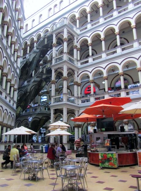 010 Centro Comercial Medellín
