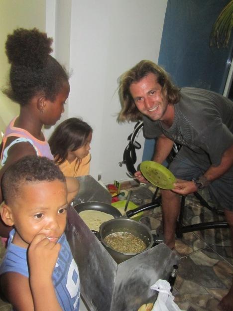 08 Kochen mit Kindern in La Boquilla