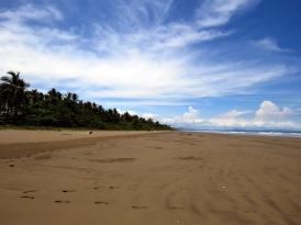 001 Menschenleerer Strand von Las Lajas