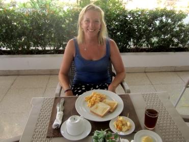 004 Frühstück im Hotel