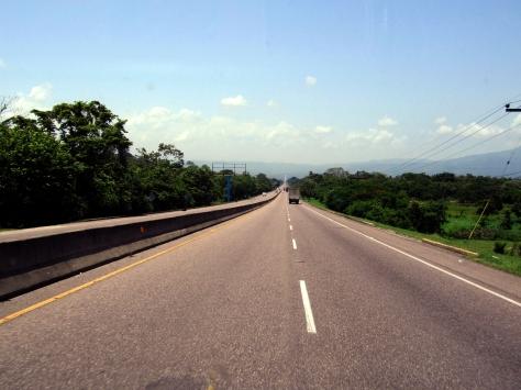 001 gute Strassen in Honduras