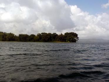 003 mit dem Kajak auf dem Lago Yojoa