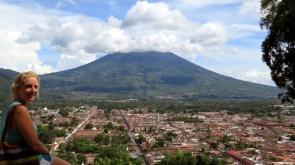 001 Antigua mit Vulkan Agua