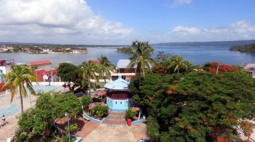 003 Kirchturm Isla Flores