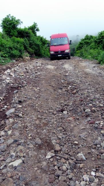 003 Steile Piste zum Vulkan Ipala