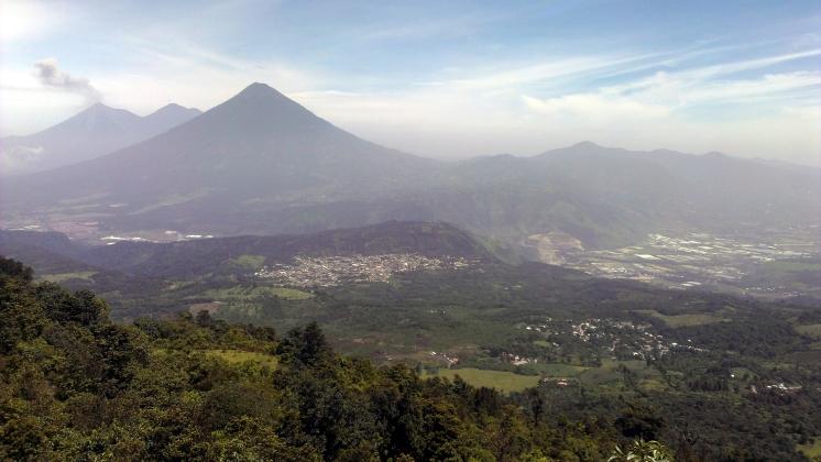 007 Sicht auf Volcán Agua Acatenango & Fuego