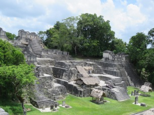 010 Maya Ruinen Tikal