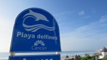 001 Playa delfines Cancún