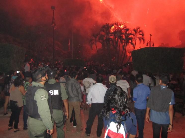 003 Feuerwerk Mérida Día de Independencia