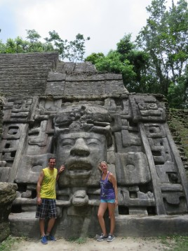005 Masken Tempel