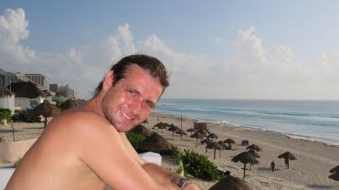 005 Playa delfines Cancún