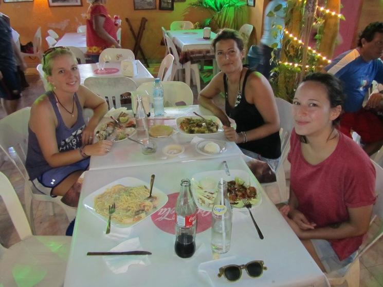 004 Miri, Sarah & Elora in Sisal