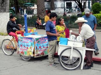 005 San Cris StrassenverkäuferInnen