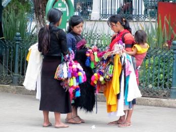 006 San Cris Strassenverkäuferinnen